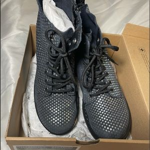 New in box Dr Martens navy blue with silver stars